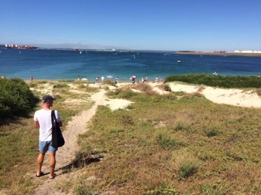 Walking to Yarra Bay